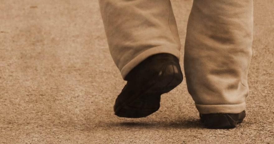 איש צועד
